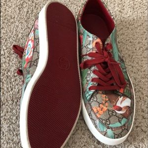 Gucci shoes burgundy, green, brown ,white,